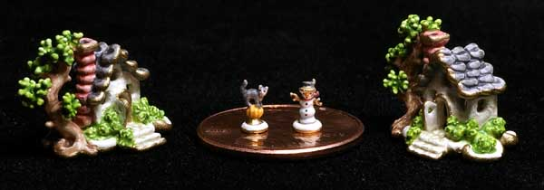 Miniature Figurine - Dollhouse Figurine